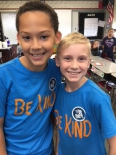 Verner Celebrates Spirit Week with Twins Day