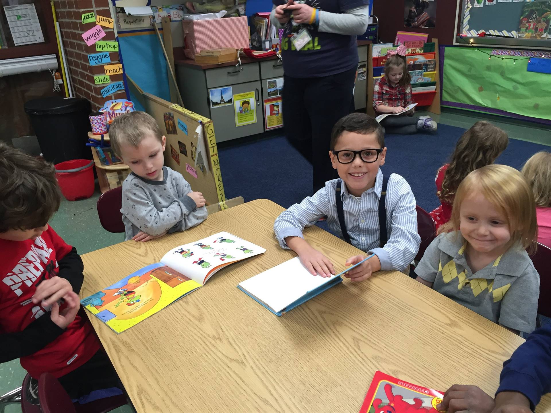 Verner 2nd Grade Reads to Pre-K