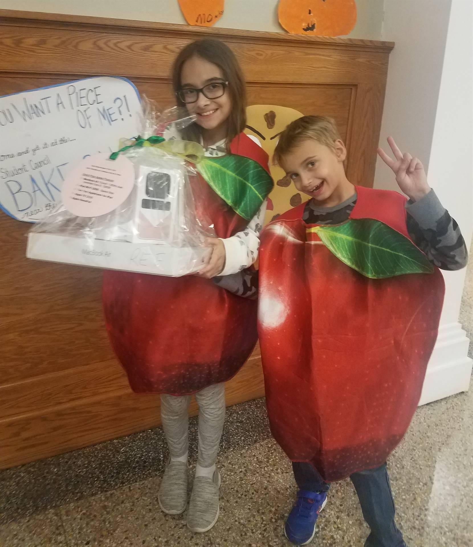 """Students assist  REF with """"Apple Basket"""" Raffle Ticket Sales"""