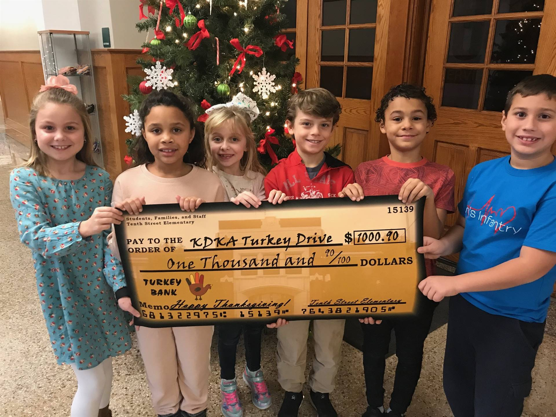 Students Collect for the KDKA Turkey Fund