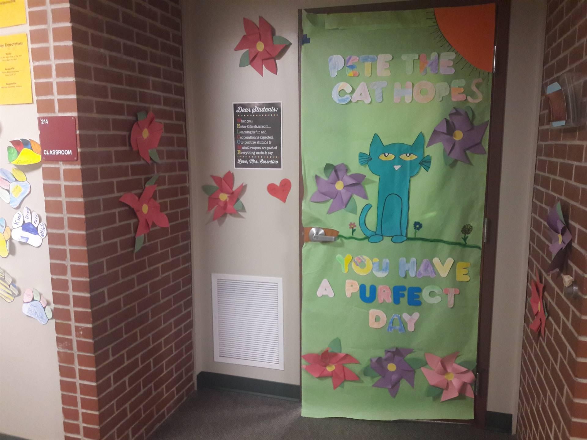 READ ACROSS AMERICA Door Decorating Contest