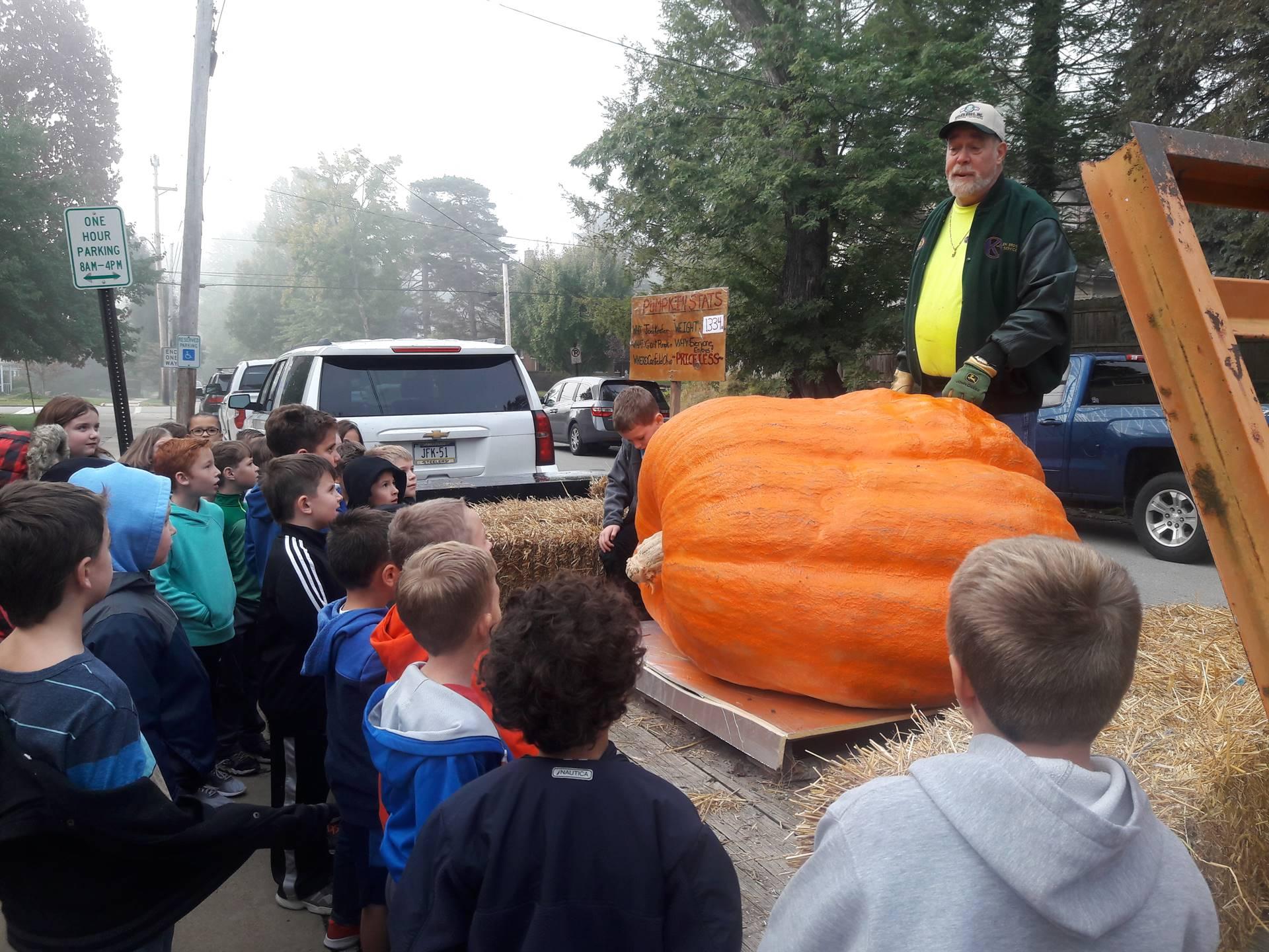 Giant Pumpkin Visits Tenth Street